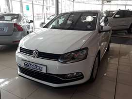 IMMACULATE POLO WITH EXTREMELY LOW KILOMETERS AND SUNROOF