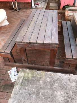 OUTDOOR WOODEN RESTAURANT BENCH AND TABLE R500