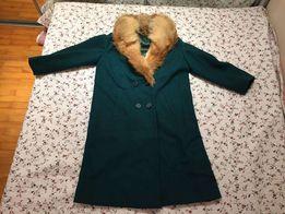 Wełniany płaszcz z kołnierzem z lisa długość 104cm