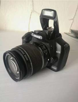 Cannon 450D ,bought a year ago and it comes comes with a lense