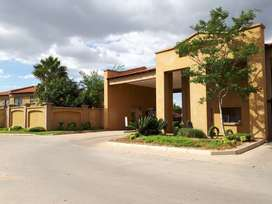 Two bedroom townhouse for rental in Penina Park for R6500,00 neg
