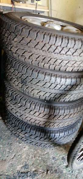Set of 4x4 tyres and rims