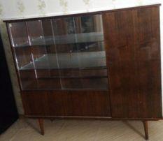 Продам раритетный шкаф-сервант производства ГДР.
