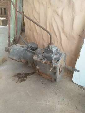 Ford F100 GEARBOX