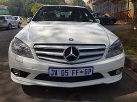 2011 MERCEDES Benz C200 Compressa with double Sunroof