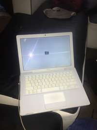 Image of Macbook white R1300