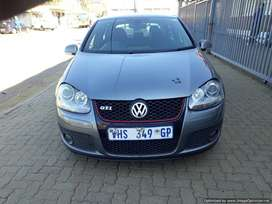 Volkswagen Golf 2.0GTI Manual Trans0mission.