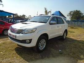 2015 TOYOTA FORTUNER 3.0 with 82000km