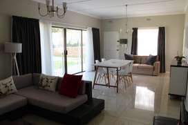 Fully Furnished Flatlet 1km from Melrose Arch
