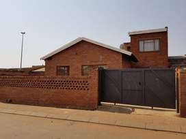 1 bed, bath, fully fitted kitchen in Tembisa 1 June 2021 - R3000 pm