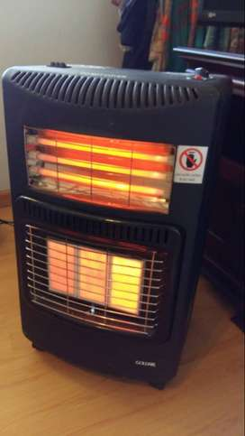 Goldair - Gas And Electric Heater with full gas bottle- Black