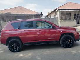 JEEP COMPASS 2.0 LIMITED WITH SERVICE BOOK