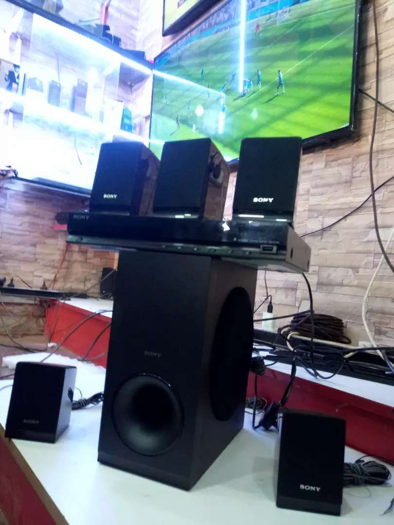 SONY HOME THEATRE SOUND SYSTEM 0