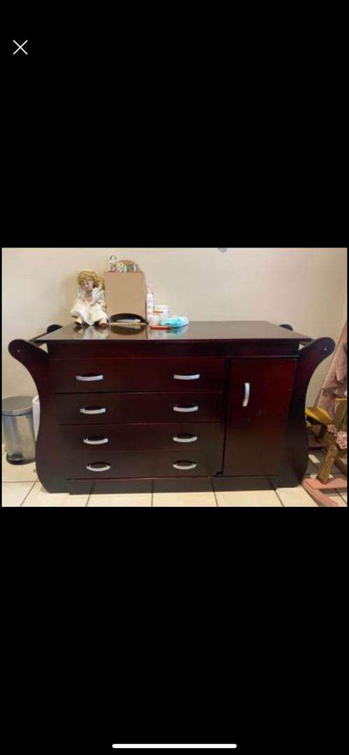 Baby cot and chest