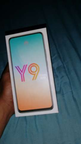 I'm selling my phone it the one with the pop up camera in front
