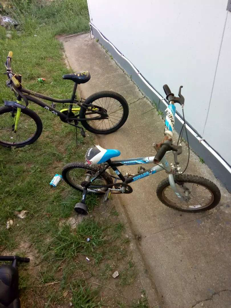 Urgent sale 2 bicycles for R600
