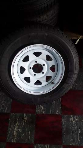 195/R14C tyre with 5 holes Trailer rim