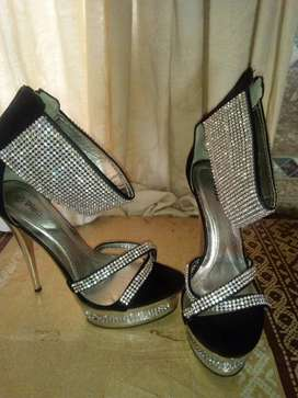 Size 4 high heel sandal with silver diamantès