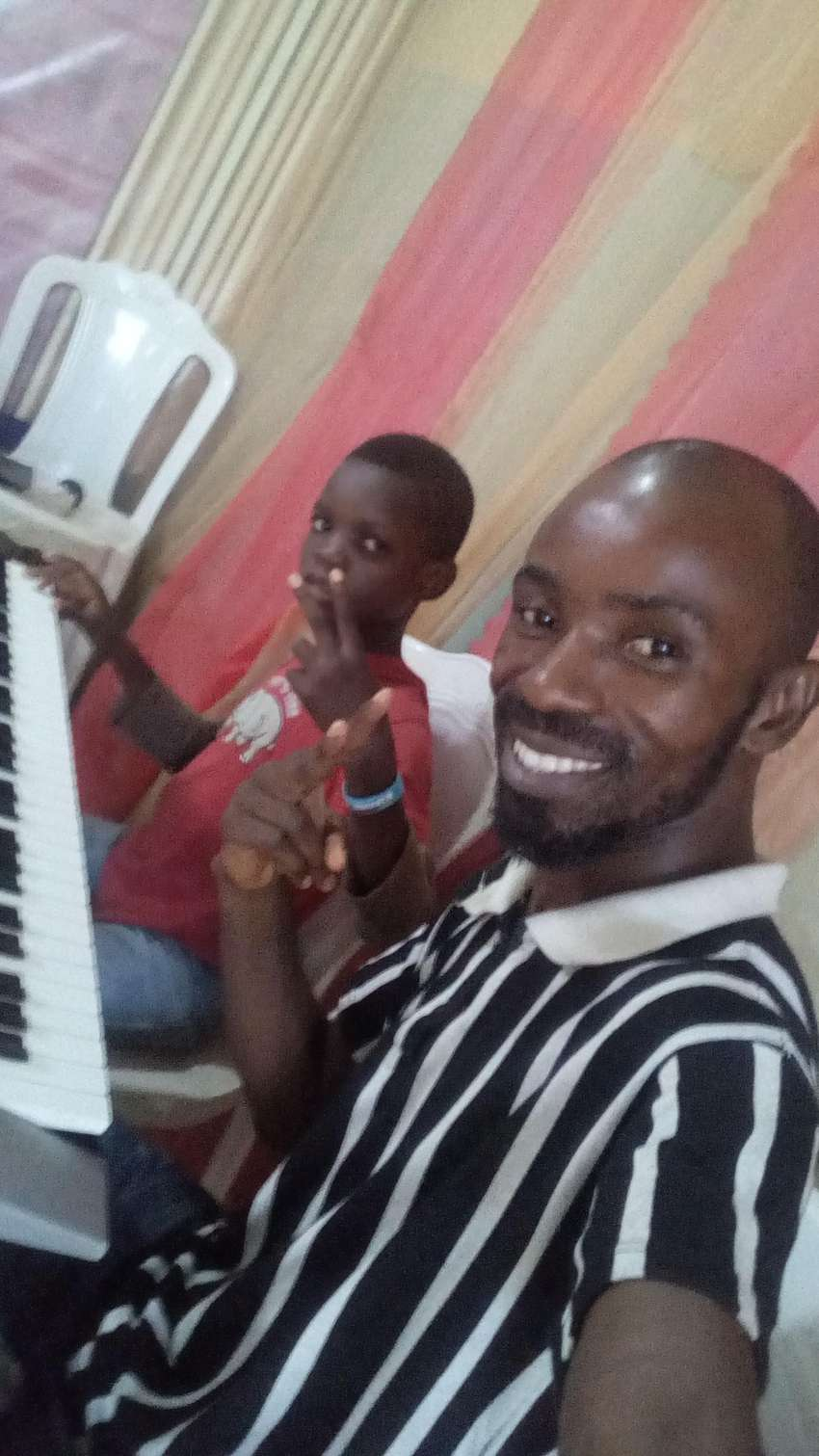 Piano and Guitar Home Lessons 0