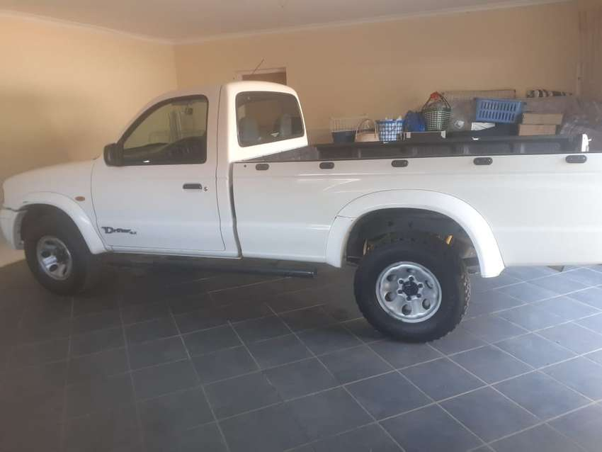 Single Cab Mazda Drifter with canopy for sale 0