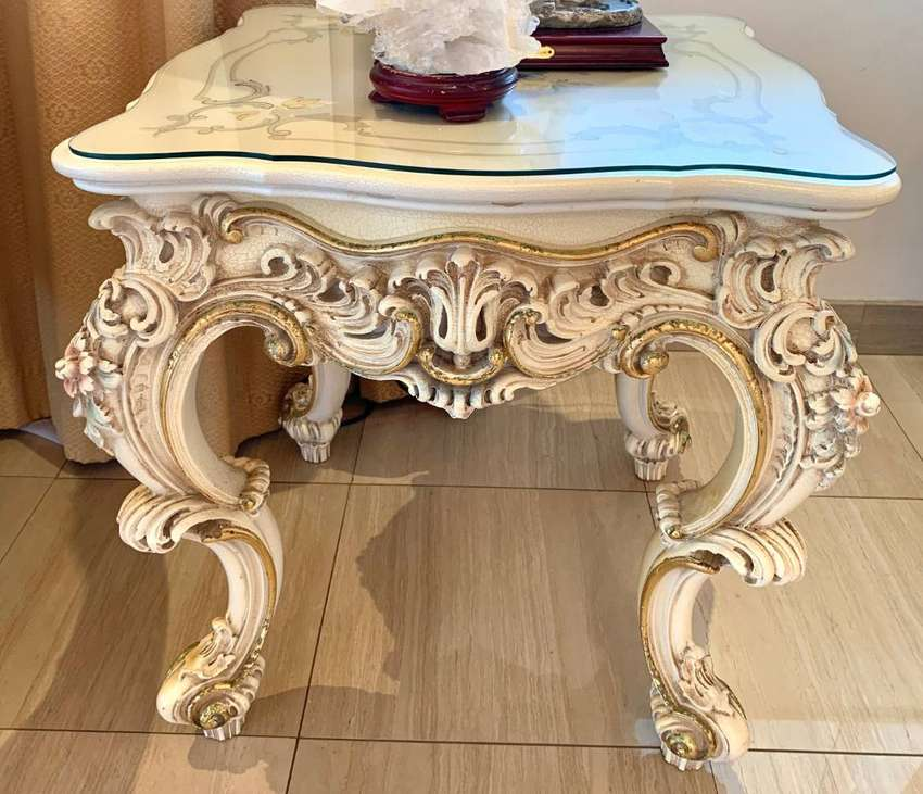 Lo Stile Di Classe Italian Square Table with Hand decorated surface 0
