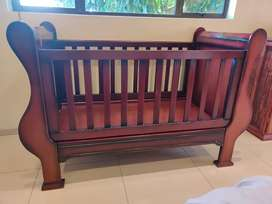Sleigh Cot in excellent condition