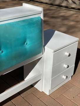 Single bed headboard attached sidetable