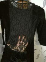 Велюровое платье с гипюром на спине,очень классное