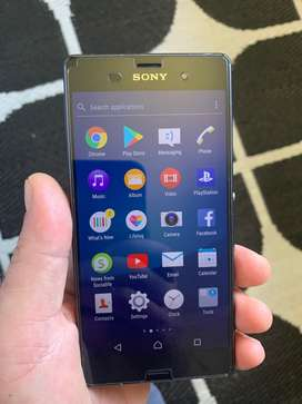 Sony Experia Z3 (Like New!)