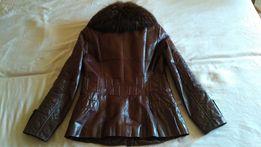 Курточка теплая с натуральным мехом енота