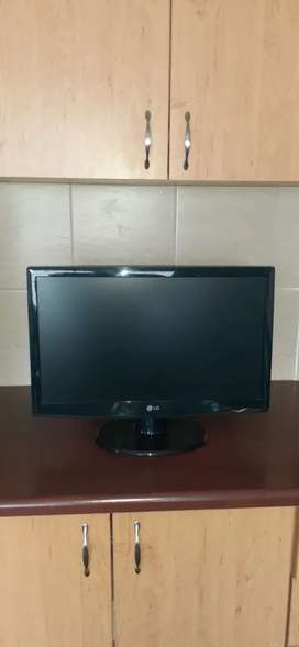 LG 23inch Monitor Logitech Surround speakers,Webcam