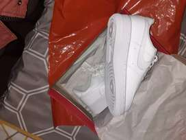 Nike airforce size 4 and half white