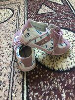 Кроссовки на девочку 26 размер