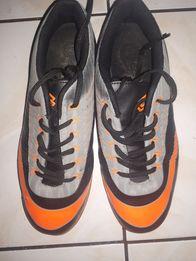 Buty halowe do gry w piłkę 42