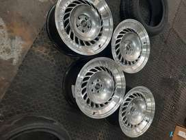 Car rims , with tyres