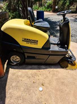 Karcher KM 100 100R sweeper and brusher