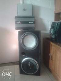 Image of 2 sub woofers + 2 amplifiers