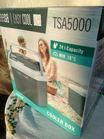 Холодильник в авто на природу на рибалку 12в 220в Охолоджує Гріє новий