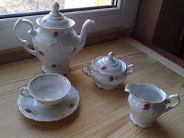 Piękny porcelanowy serwis do kawy WAWEL