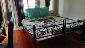 2 Female sharing flat for rent