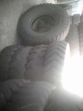 second hands tractors tyres for sale 14 00-24,  7.50-18 front does are