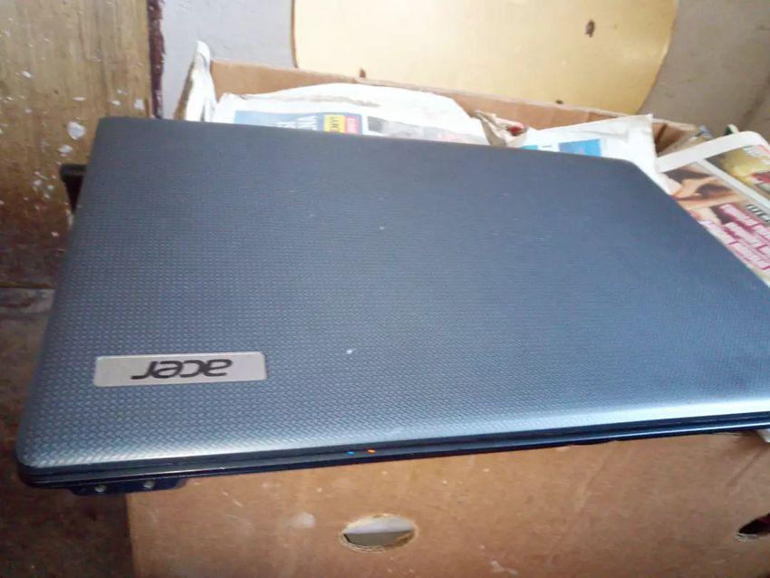 Prodám notebook Acer 0