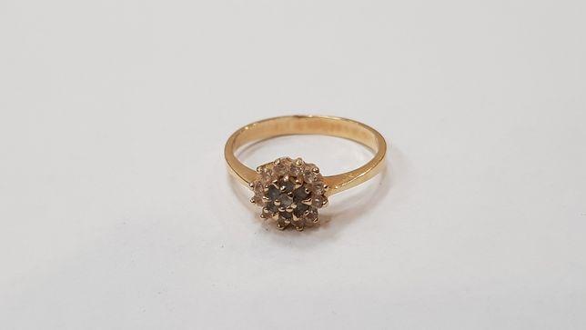 Przepiękny złoty pierścionek/ 585/ 1.9 gram/ R12/ sklep Gdynia Gdynia - image 1