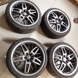 17inch mags with tyres and free set of lock nuts