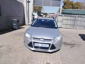 2013 Ford focus 1.6 with service book