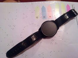 Сенсорные часы 500руб ОБМЕН НА ФЛЕШКУ 32ГБ