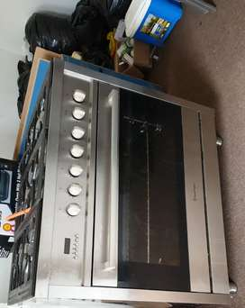 Urgent sale Russell Hobbs gas stove