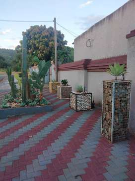 Bachelor's apartment to let in giyani mountain view