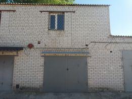 Продам капитальный кирпичный двухэтажный гараж с подвалом