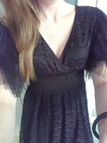 Śliczna koronkowa sukienka taliowana 36